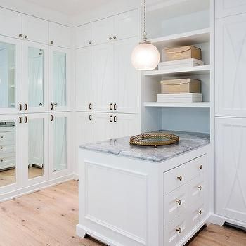 Gray Marble On Closet Island With Brass Oval Tray