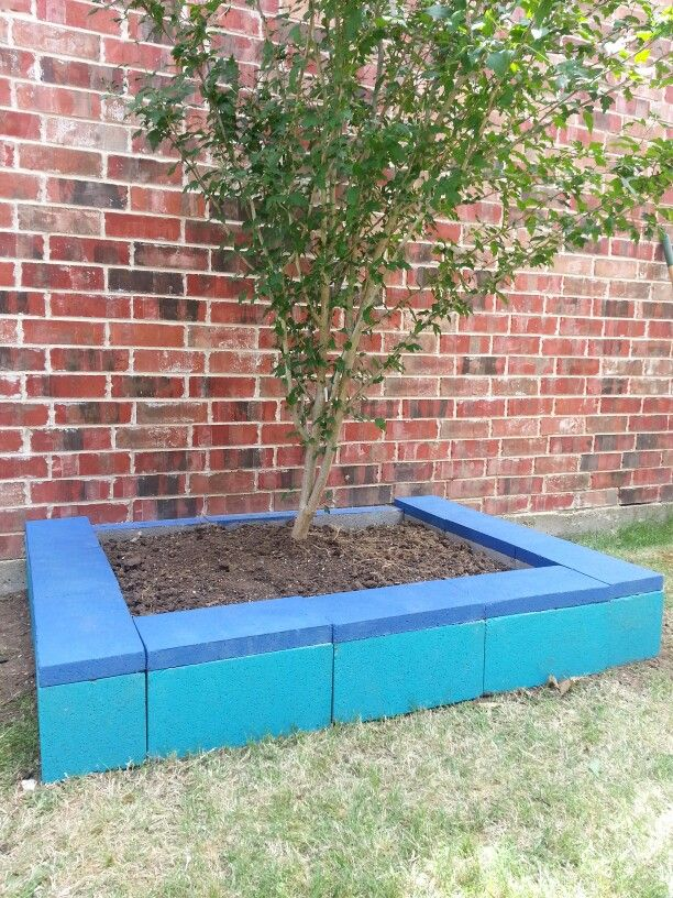 Painted cinder block raised garden bed using left over paint cheap weekend project all u can for Painting cinder blocks for garden