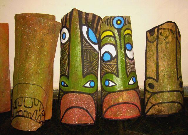 Artesanato com tema afro em telhas | África na Escola                                                                                                                                                                                 Mais