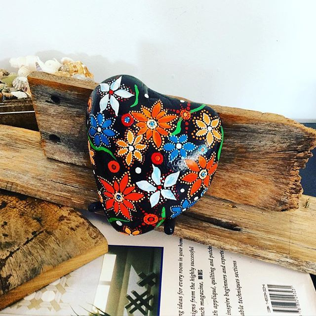 Starting with a little collection of hearts for this week. Hope they bring joy to your hearts #paintedrocks #hearts #handpainting #flowers #rockart #joyfultime #artonrocks #stonepaint #rockdiaries #myart #paintedhearts #rusticdecor #heartstone #beautifulrock #driftwood #rockpainting #global_rock_painters #gifttoremember #smile #arttherapy