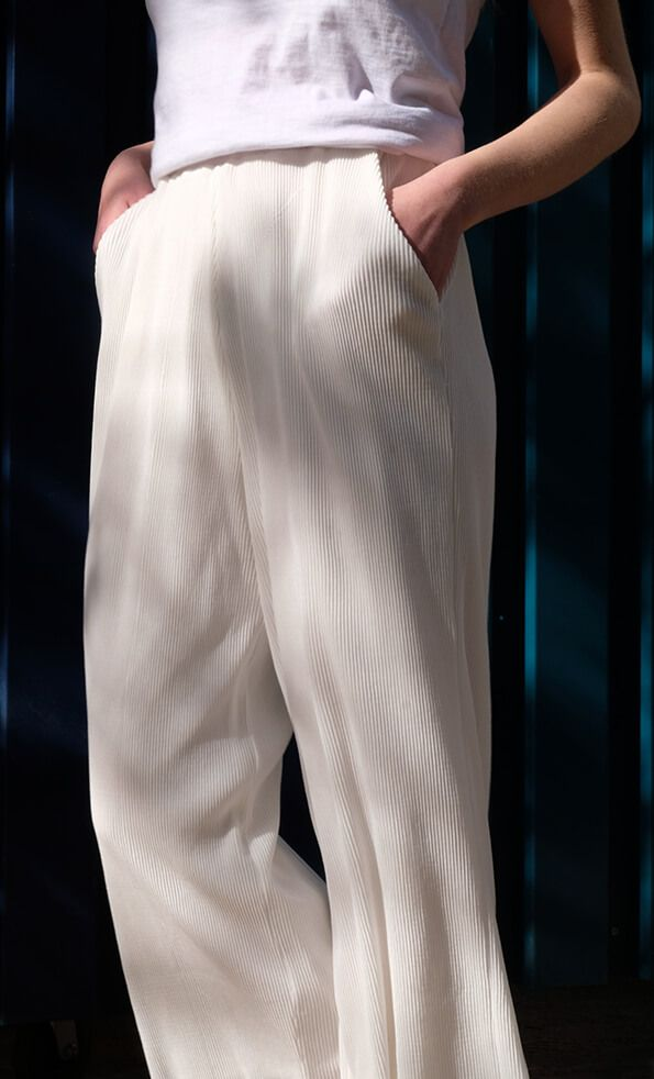 NA-KD Trousers #palazzo #white #trousers #ootd #bloggerstyle #fashion #clothing