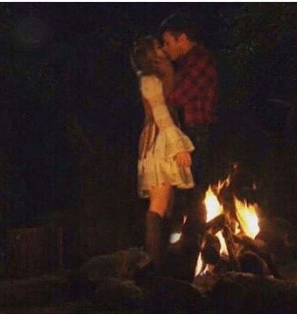Hoped for this in Girl Meets Texas...i hope its Lucas and Maya in Season 3