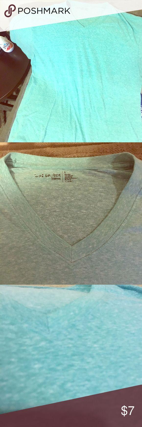 Men's L Teal V-neck T-shirt Men's Large, Heathered Teal V-neck T-shirt, Footlocker brand, gently used, great shape, soft and comfy! Footlocker Shirts Tees - Short Sleeve