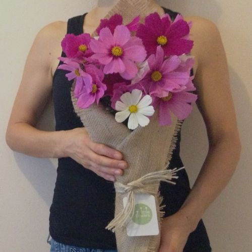 14 gifts for mum: a $25 bunch of flowers including delivery!