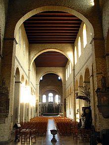 罗曼式建筑 - 维基百科,自由的百科全书