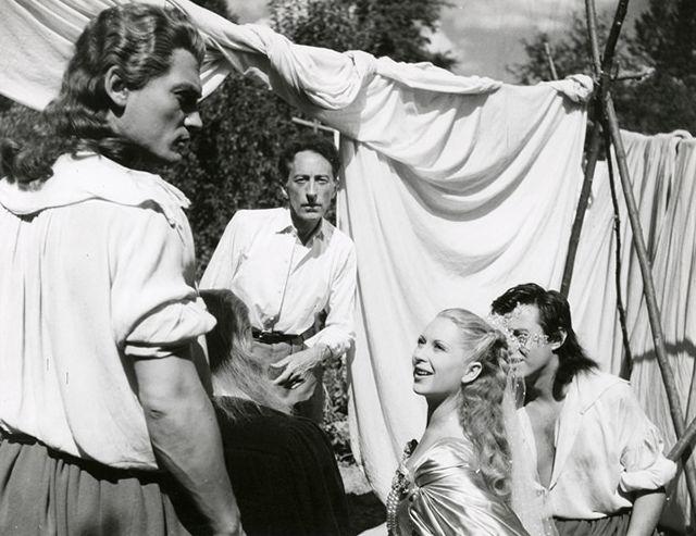 Sur le tournage de La Belle et la Bête #Cocteau #JeanMarais #JosetteDay