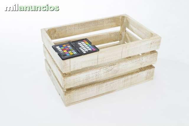 . T�picas cajas de fruta. Cajas de madera de pino maciza de 13mm de grosor. Hechas a mano, lo cual le da un toque muy autentico. Cajas de madera de alta calidad, nuevas y resistentes. Ideal para estanter�as, ba�les, mesas, decoraci�n, etc. Cajas de madera n