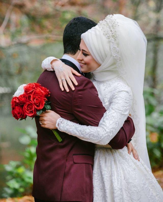 Veil wedding dress Tesettür Gelinlik  Classic car  Klasik araba  Flowers  Çiçekler  White  Beyaz  RED Kırmızı