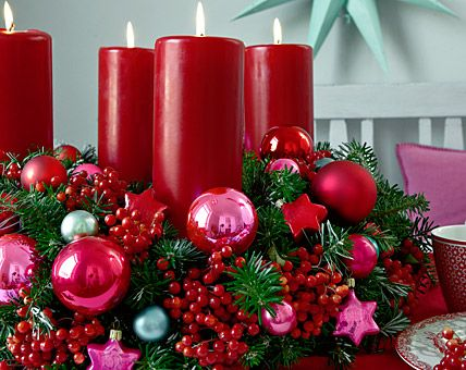 This year I plan to make an 'Adventskranz' (Advent wreath) myself. Hopefully, it will look as great as on the picture. David and I will have a lot of fun decorating this year.