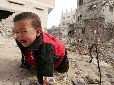 Enfants victimes de la guerre en Palestine: la photo qui tue. 2014