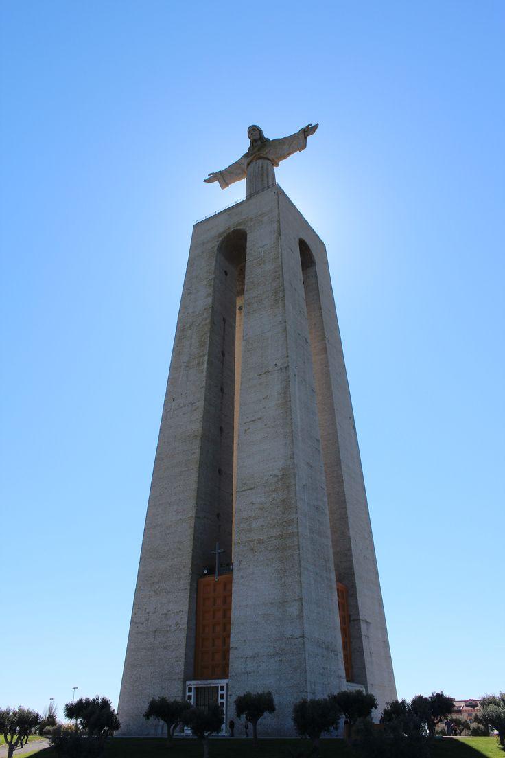 A Krisztus király szobor (Cristo-Rei) Lisszabon