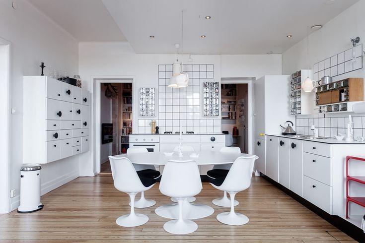 A creative retro kitchen