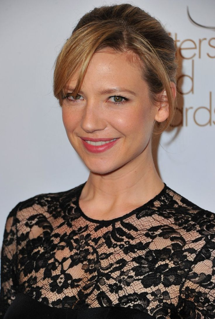 Anna Torv - love the lace!