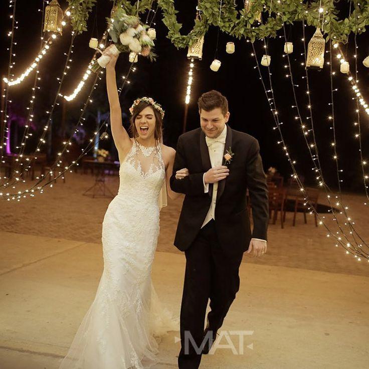 En #ZonaE queremos que tu boda sea única e inolvidable. Que todo sea perfecto para ti.  Llama al 3106158616 / 3206750352 / 3106159806 y reserva desde ya, atendemos todos los días de la semana y fines de semana incluido festivos. www.zonae.com  #ZonaE #CasaBali #BodasAlAireLibre #BodasCampestres #weddingplaner #bodasmedellin #bodas #Eventos #boda #wedding #destinationwedding #bodascolombia #tuboda #Love #Bride Foto @matfotografia