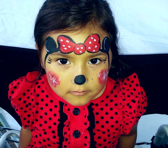 Simple Disney Minnie Mouse | Face painting, Disney face ...
