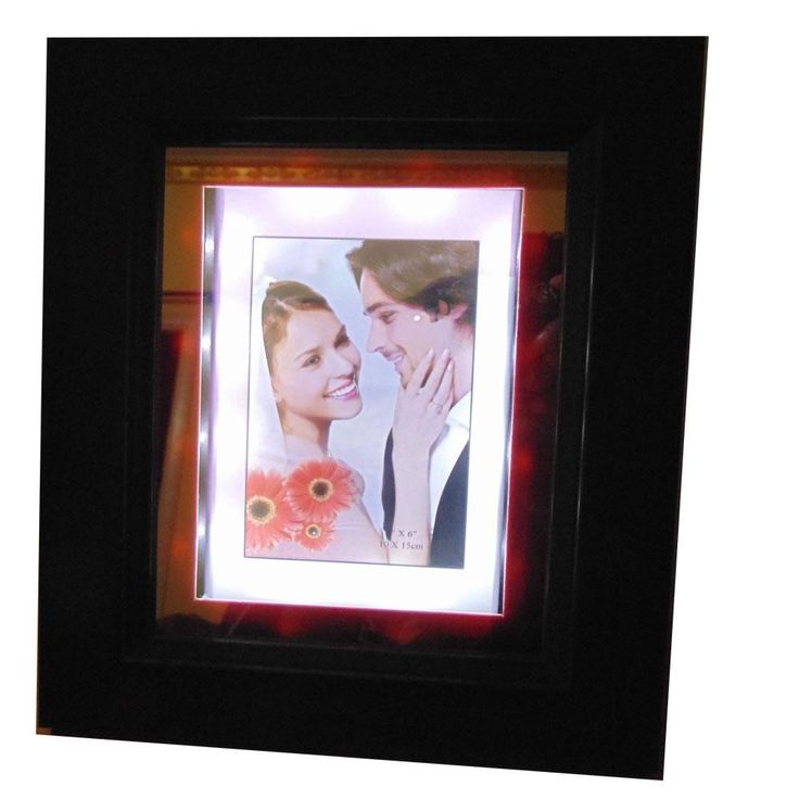 Illuminating Photo frame - a perfect combination of love and affection