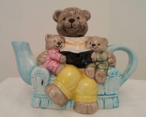 Teddy-Bear-with-Baby-Teddys-in-Armchair-Teapot