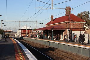 300px-Yarraville_railway_station,_Melbourne.jpg (300×200)