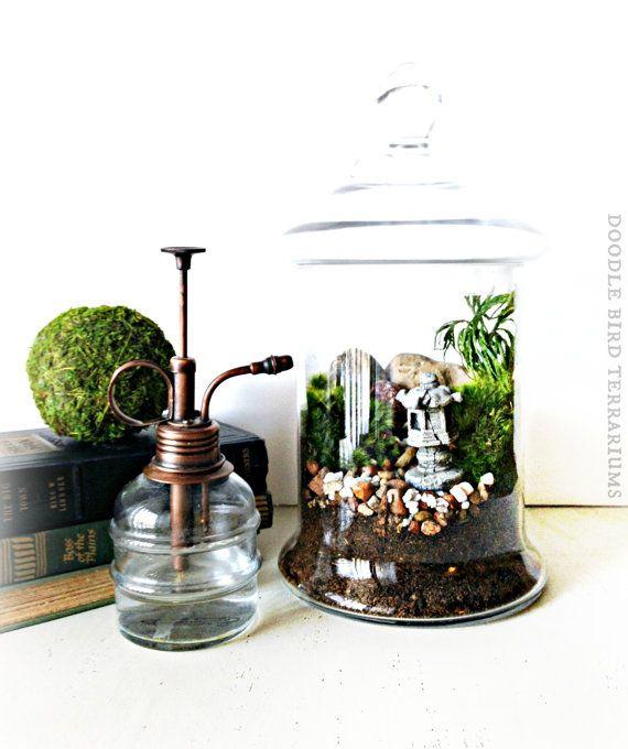 Japanese garden terrarium with miniature path pagoda for Indoor japanese garden plants