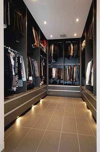 Walk-in robe with LED lighting | The House of Beccaria