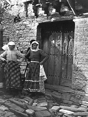 François Frédéric Boissonnas: Μπάγια (Κήποι) Ζαγορίου, γυναίκες, 1913