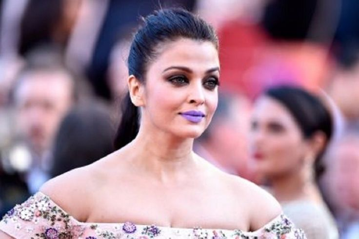 Funniest Reactions to Aishwarya's Purple Lips at Cannes
