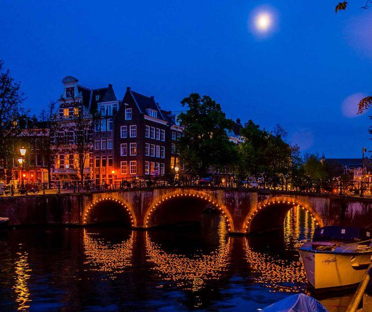 25 beste idee n over torens op pinterest wolkenkrabbers for Designhotel holland