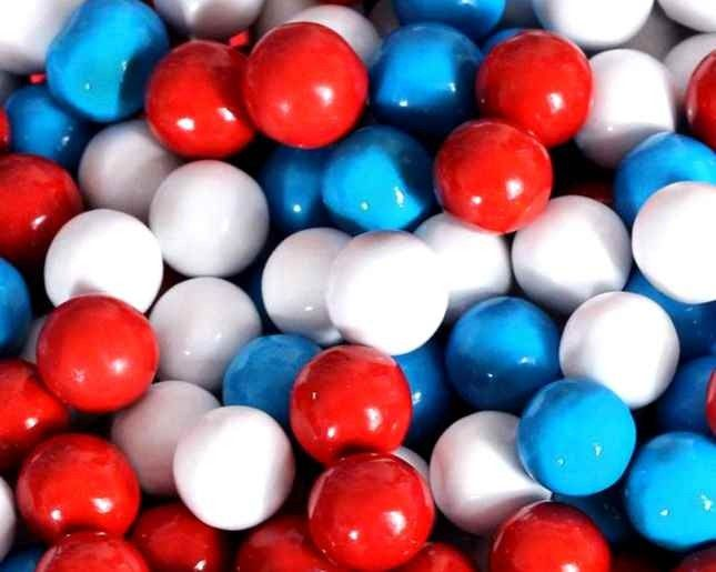 The most patriotic little candies around, our Red, White, and Blue Sixlets are a whole lotta fun. These are a perfect way to show your American pride, on the fourth of July, or any time of year! If you've never tried them before, then you're missing out. Be sure to place your order, today!