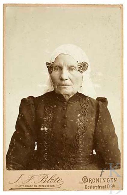 Jan Frederik Blöte Portret van Frouke Pieters de Boer (1814 - Groningen 1905), ca. 1894-1905 Den Haag, RKD (collectie Iconografisch Bureau) #Groningen