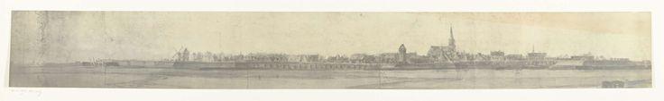 frères Moreau | Gezicht op Doesburg, 1672, frères Moreau, Adam Frans van der Meulen, 1900 - 1903 | Foto van een tekening met een panoramisch gezicht op Doesburg, ingenomen door het Franse leger op 21 juni 1672. Onderdeel van een serie foto's van tekeningen van veroverde steden tijdens de Franse inval in de Nederlanden in 1672.