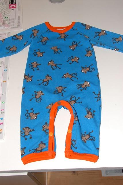 Van leek tot naaiwonder in spé!: jumpsuit met handleiding!!