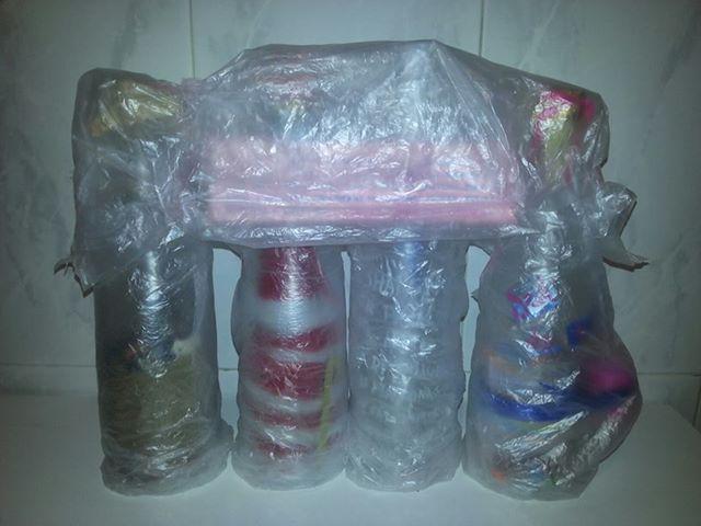 Primer encargo pagado de artesanía. Manualidad Creativa La premisa: el poema Ulysses de Tennyson. 4 conceptos, 4 botellas cubiertas con suave plástico para el  #artesania #Packaging #DoItMyself #DoItYourself #DIY #Gift