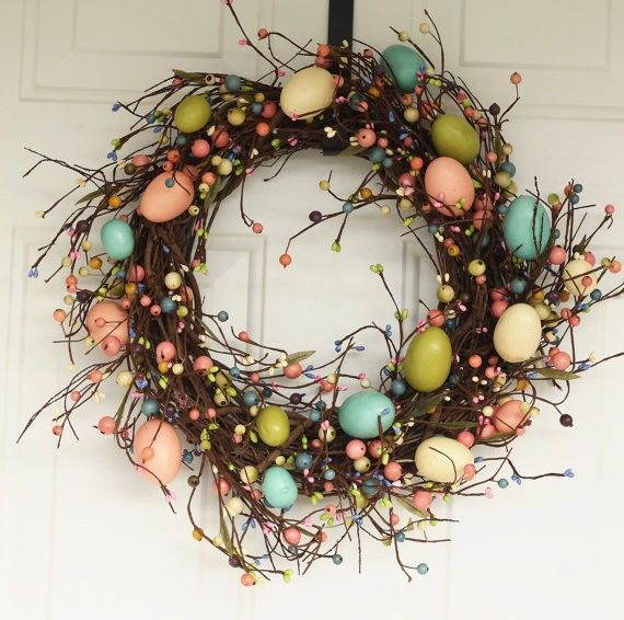Rustic Easter Egg Decor Wreath, DIY Holiday Wreath Ideas #2014 #easter #egg #decor #wreath www.loveitsomuch.com