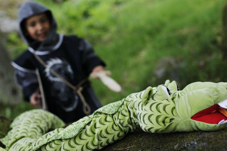 Spiel: Welcher Ritter schnappt den Drachen? • Foto: Johner Images / Getty Images