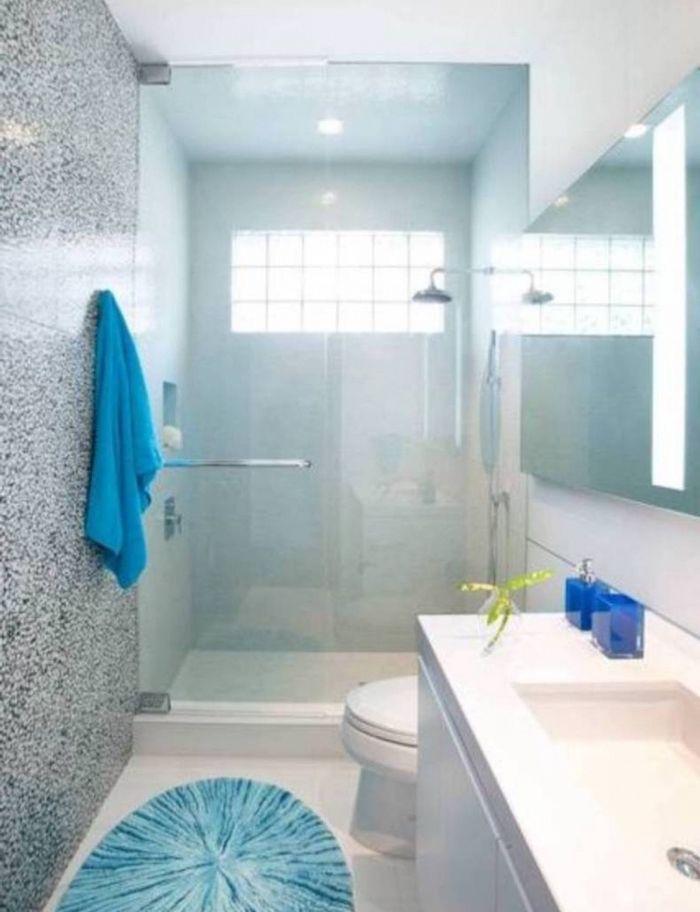 Les 25 meilleures id es de la cat gorie petite salle de bain troite sur pinterest salle de for Petite salle de bain en longueur