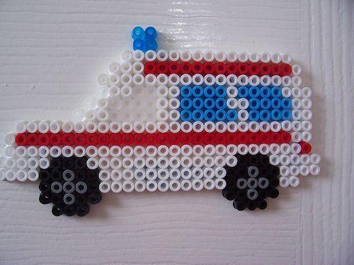 Ambulance / hama perler beads / Bügelperlen