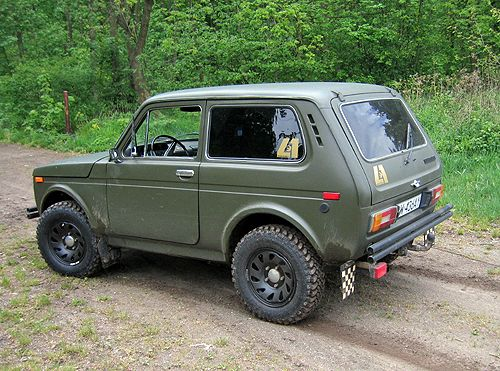 Lada Niva -92 I would like one of these. Pity that they are impossible to drive/not really useful in a very flat country....