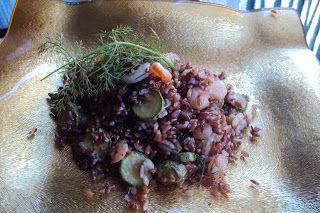 le ricette di chycca: Riso rosso con gamberetti e zucchine