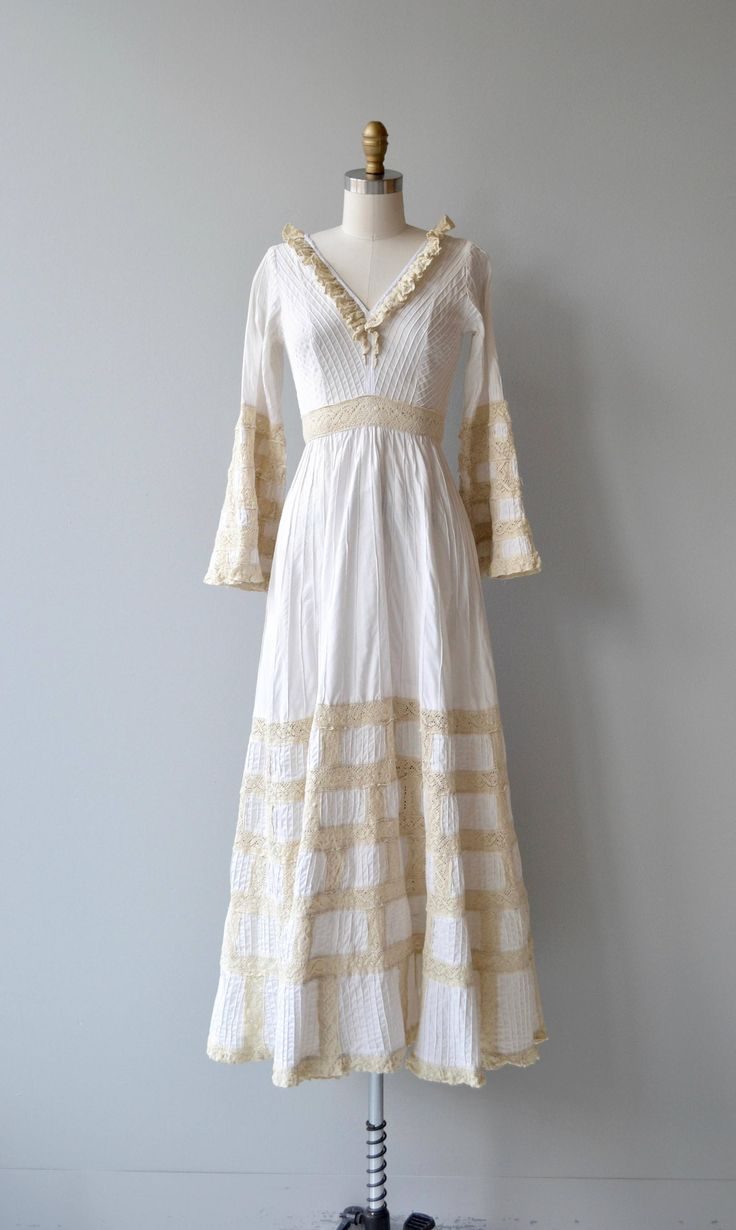 Fabulous Dulce wedding gown vintage s Mexican wedding dress