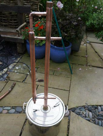 Picture of How to make a copper reflux still