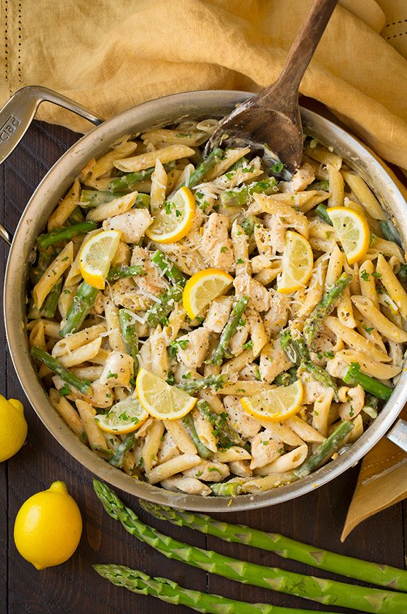 Looking for a quick and easy dinner that's full of bright, fresh flavors and destined to satisfy? This amazingly delicious One-Pan Creamy Lemon Pasta with