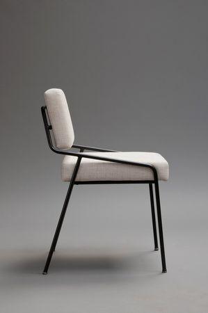 Chaise 159 en métal laqué noir et mousse (1953) — Alain Richard