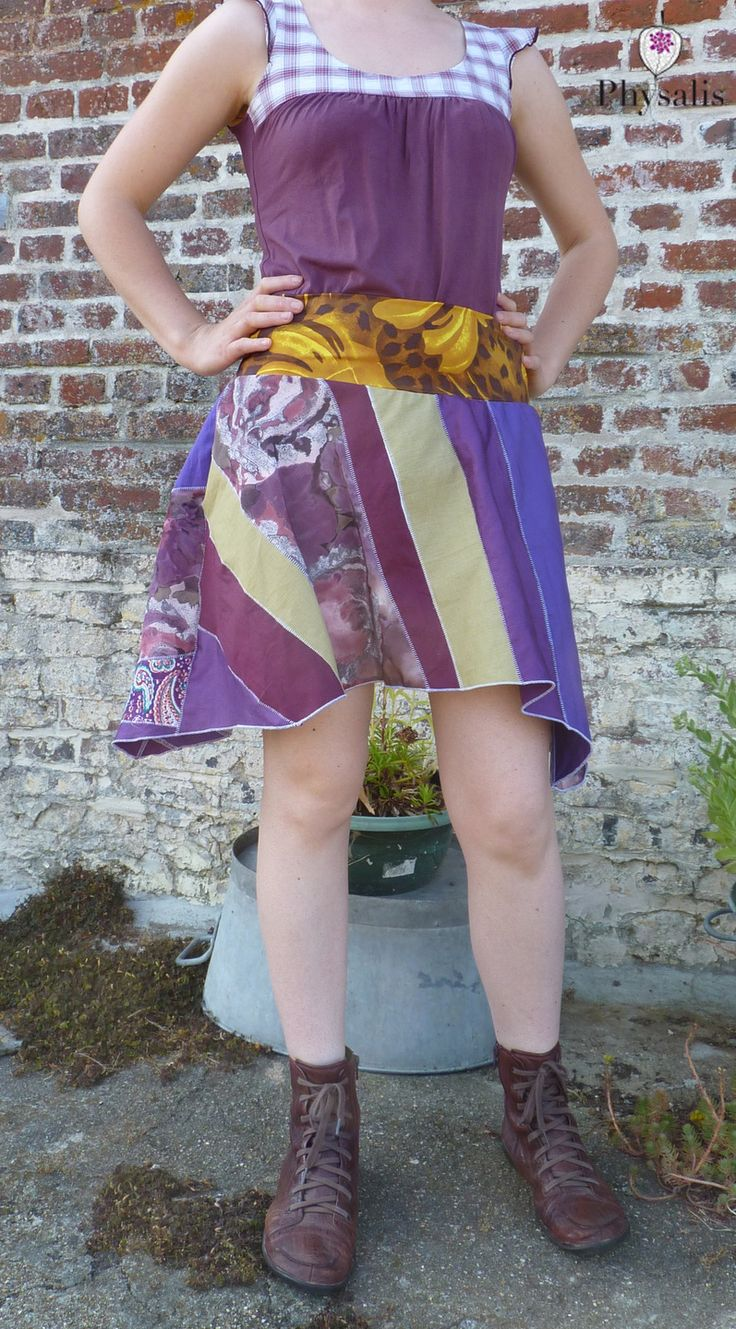 Jupe fantaisie tons violets et ceinture dorée  http://www.alittlemarket.com/jupe/fr_jupe_fantaisie_tons_violets_et_ceinture_doree_-15334281.html