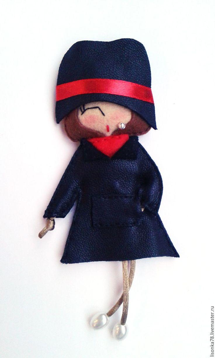 Купить Брошь-куколка из фетра - черный, брошка куколка, броши из фетра, броши, куколка
