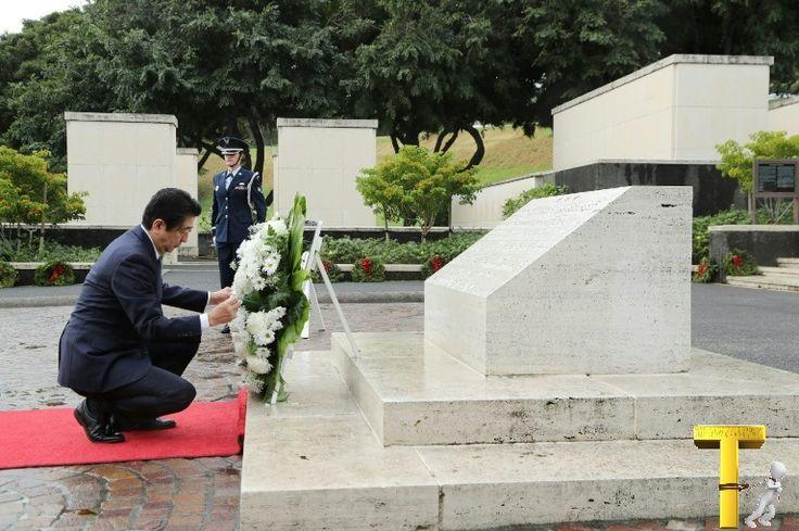 Le Premier ministre japonais Shinzo Abe se rend mardi à Pearl Harbor, sur l'archipel d'Hawaï, théâtre il y a 75 ans d'une attaque qui seco...