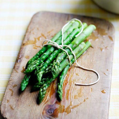 Quiche met asperges & gerookte zalm recept - Jamie magazine