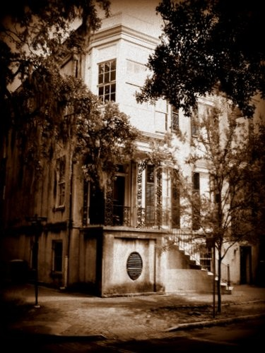 Haunted House in Savannah?  Local ghost tour guides stop by 432 Abercorn to share stories about this house...