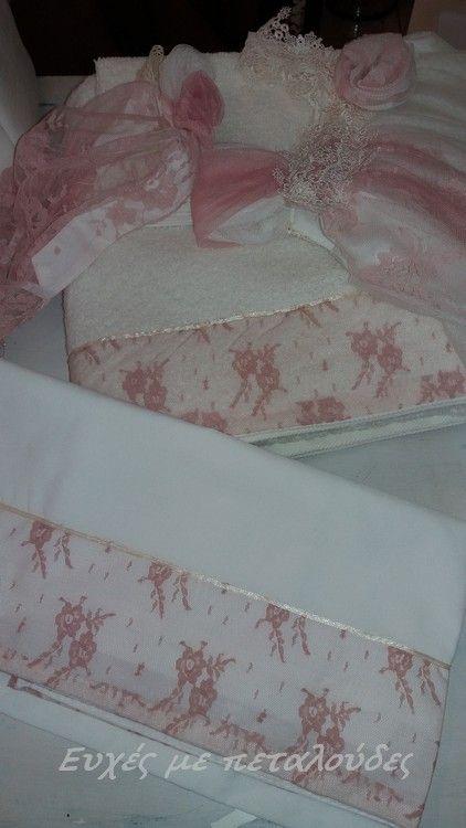"""Λαδόπανα με δαντέλα! """"Ευχές με πεταλούδες"""" Γάμος-Βάπτιση-Διακόσμηση Σεϊζάνη 3 Ν.Ιωνία Αττικής 211 4014023. www.eyxesmepetaloudes.gr"""