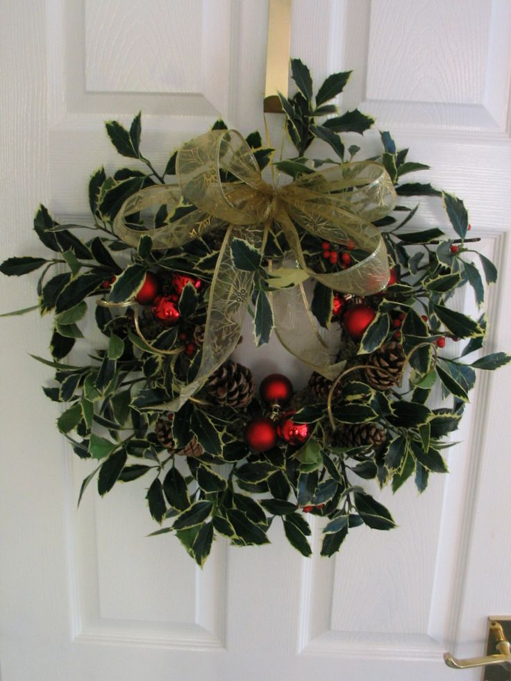 christmas flower designs | Christmas Floral Arrangements, Wreaths and other Designs