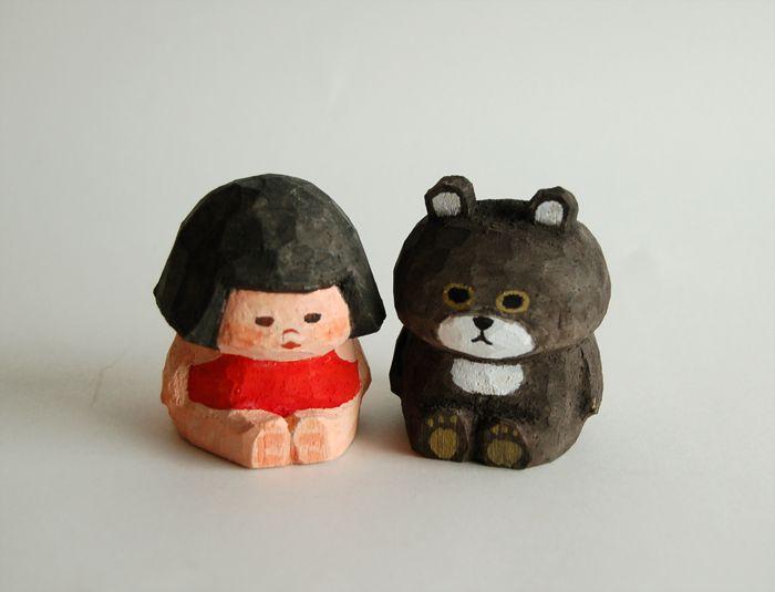こんにちは! BUNi PUNiの出品情報のお知らせです。 2016年4月24日 日曜日 お昼12時〜 creemaに写真の10体の木彫り人形を...